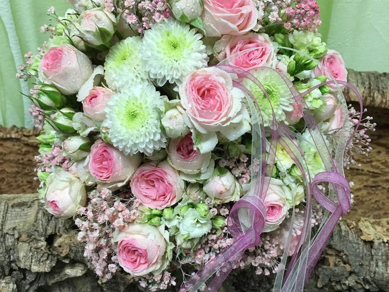 Hochzeitsfloristik in Illingen – Hochzeits-Blumendeko